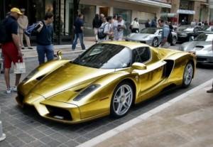 Golden-Ferrari-Enzo-580x401